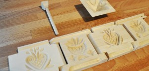 Cottage butter mold medium