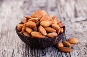 Almonds (250 g bucket)